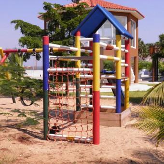 J113—Swing-gym